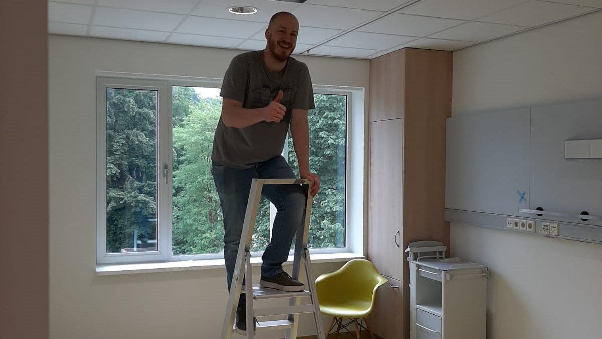 Neil aan het werk bij Rijnstate